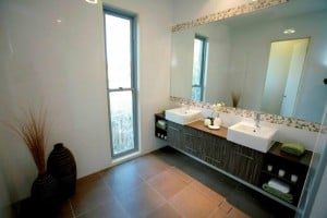WoodSong Luxury Home Design Ensuite